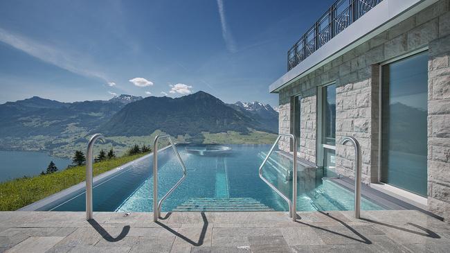 top 10 des piscines faire r ver magazine d couvertes blog. Black Bedroom Furniture Sets. Home Design Ideas